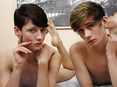 gloryhole gay twinks