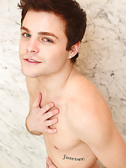 naked 18 twink guy